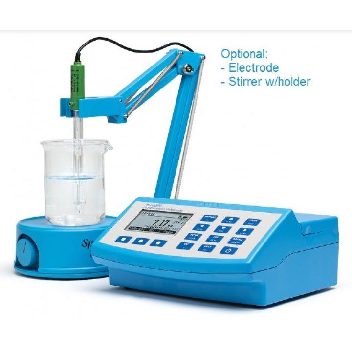 HI83300 Portable Multiparameter Photometer and pH Meter